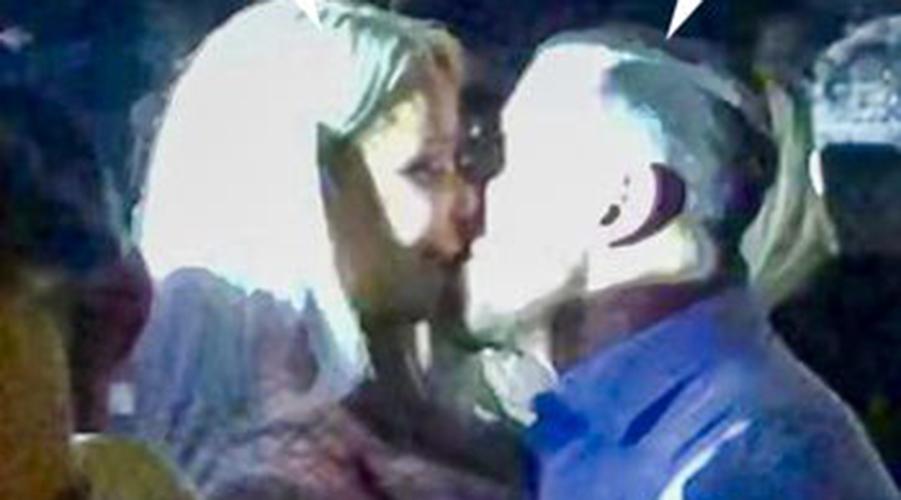 În sfârșit, s-au împăcat! Avem imaginile cu Bianca Drăgușanu și fostul, sărutându-se