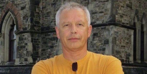 Alexandru Miron este din Iași și a observat că soția lui vine des cu o fată acasă. Ce a urmat întrece orice imaginație: se întâmpla în dormitor