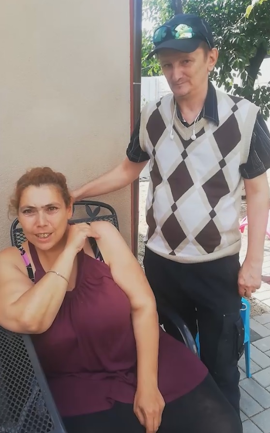 Ioana și Ionuț se descurcă greu cu banii, dar nu se plâng