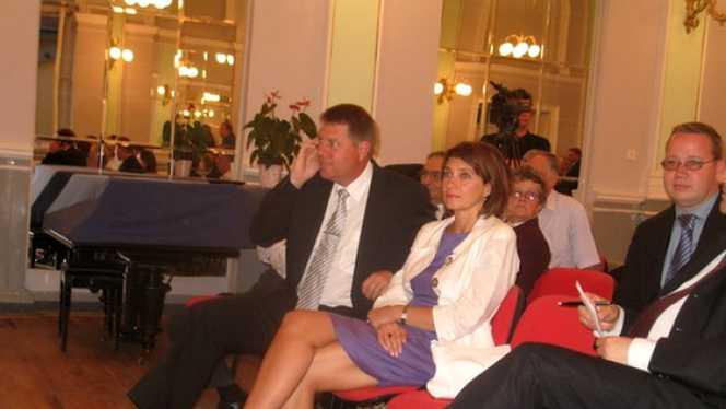 Carmen și Klaus Iohannis au impresionat cu vestimentația la încoronarea Împăratului Naruhito! Cum s-au îmbrăcat cei doi