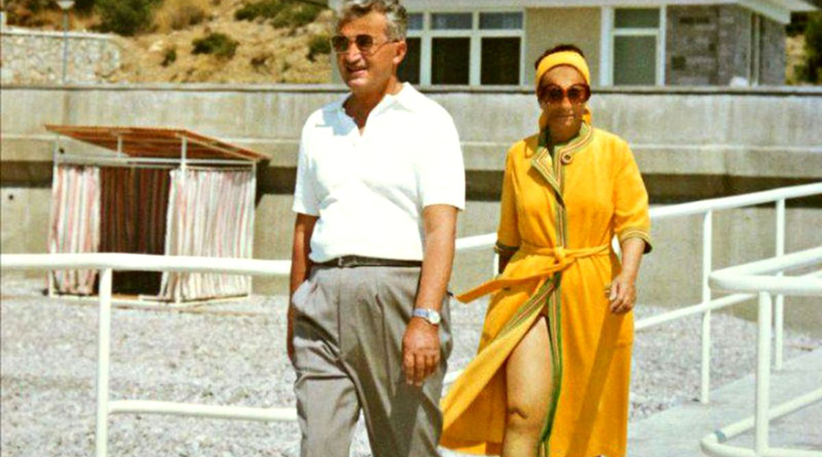 Cum făceau amor Elena și Nicolae Ceaușescu. Ce o punea fostul dictator pe soția lui să îi facă în pat