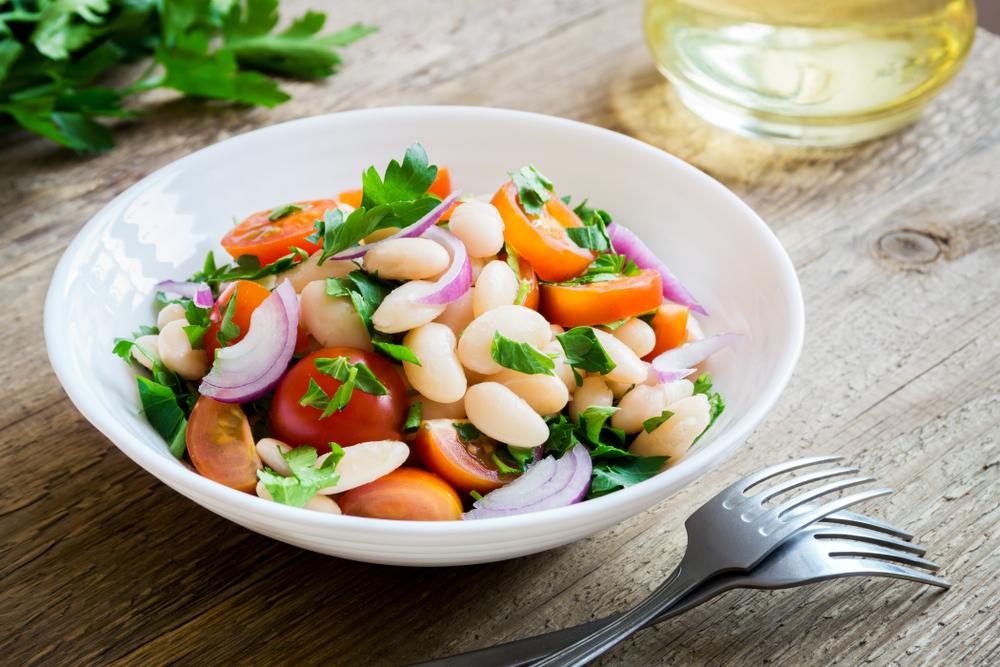 Rețete rapide de post- Salată de fasole boabe