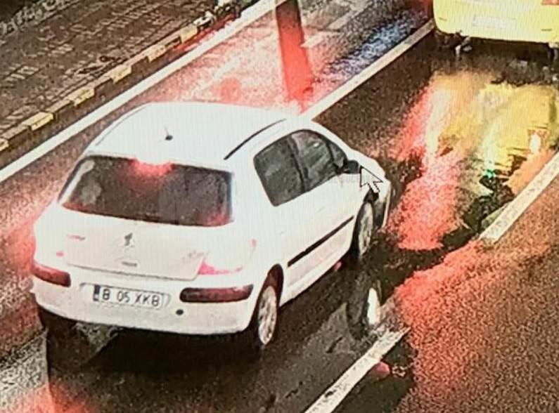 Aceasta este mașina care l-a accidentat grav pe George Parașteac, tânărul care a decedat la scurt timp de la impactul puternic © observator.tv