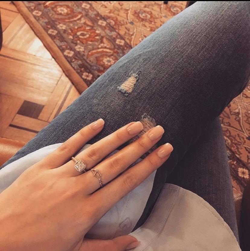 Irina Tănase nu poartă tot timpul inelul primit de la Liviu Dragnea