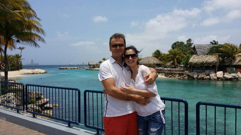 Doina Ocu, alături de soțul ei în timpul unei vacanțe peste hotare © Facebook