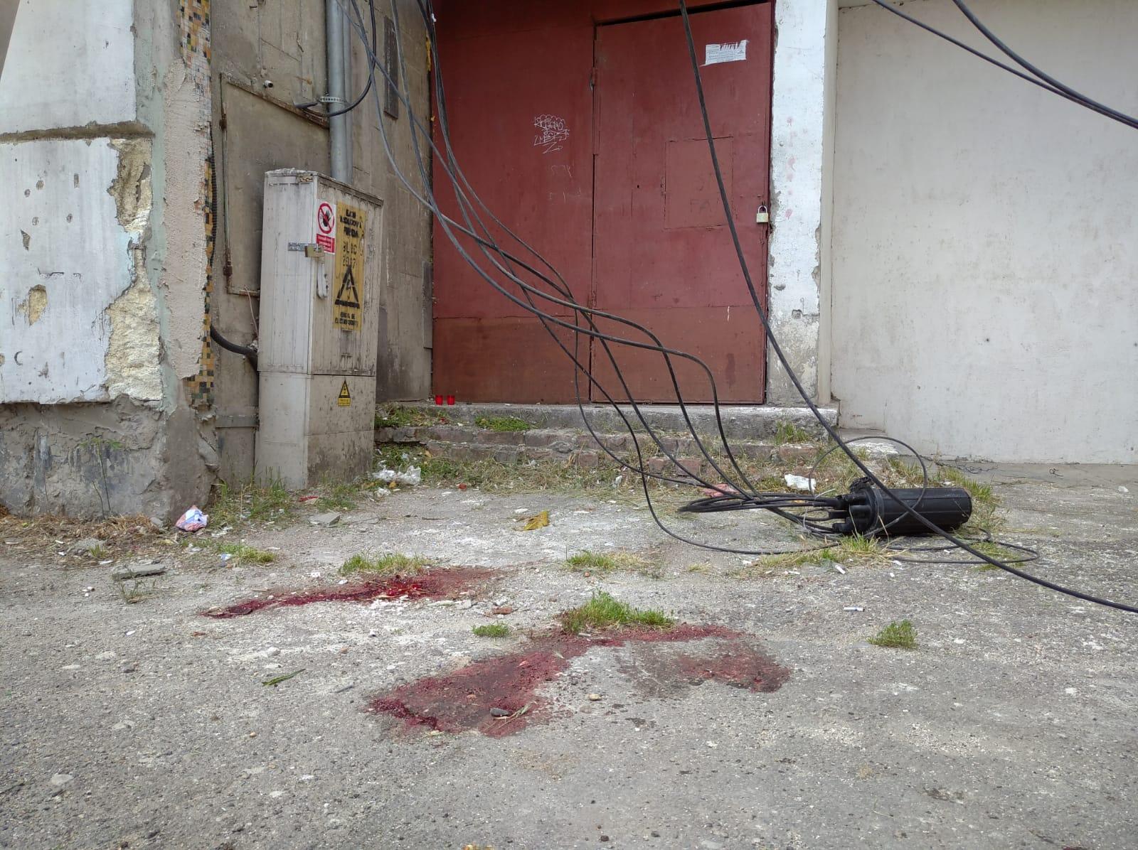 În cădere, trupul a rupt și cablurile din zonă