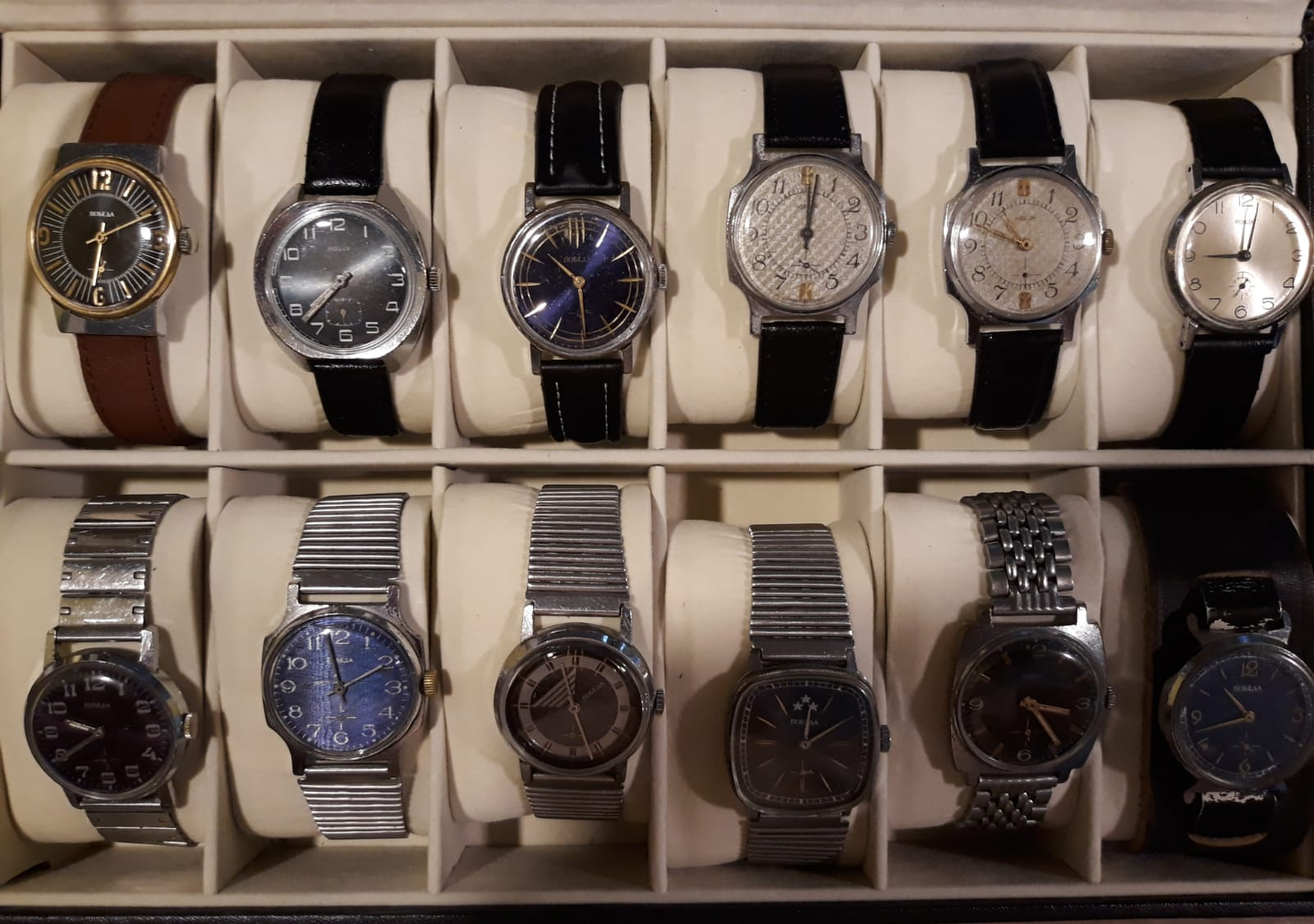 Giurgiuveanul a adunat aproape 400 de ceasuri, toate funcționale