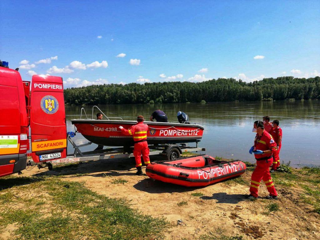 Un copil până în 15 ani a dispărut în apele fluviului Dunărea, iar scafandrii au început o misiune contracronometru după apelul făcut la 112