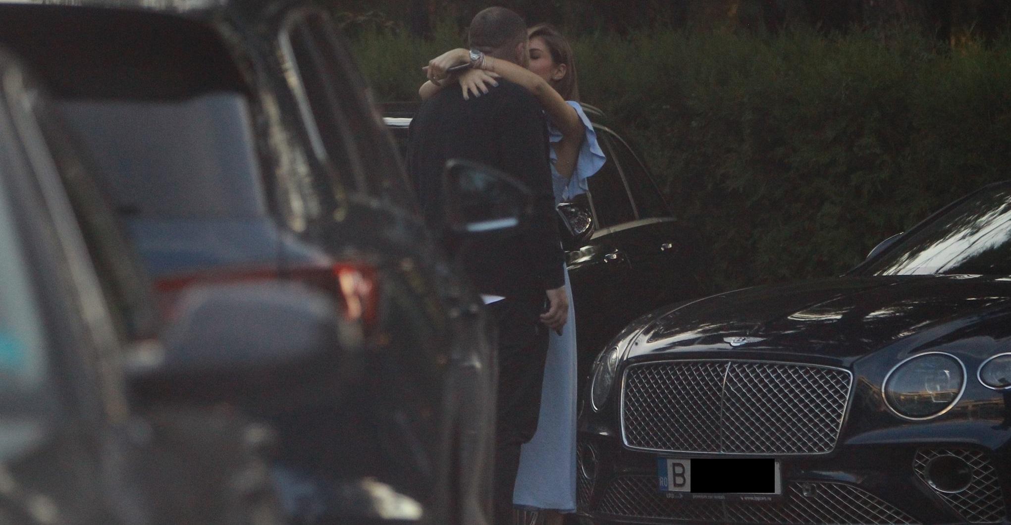 Cristina a sărit în brațele iubitului și l-a sărutat