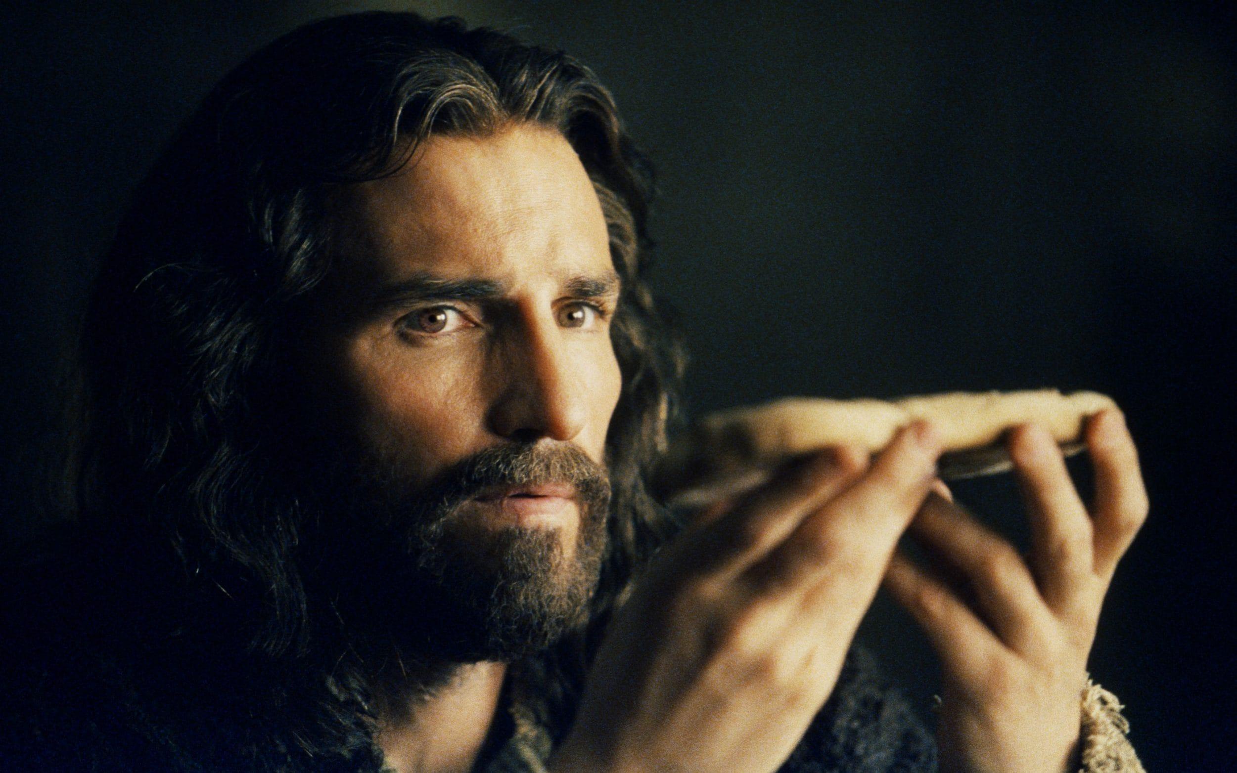 Jim Caviezel îl va întruchipa din nou pe Iisus