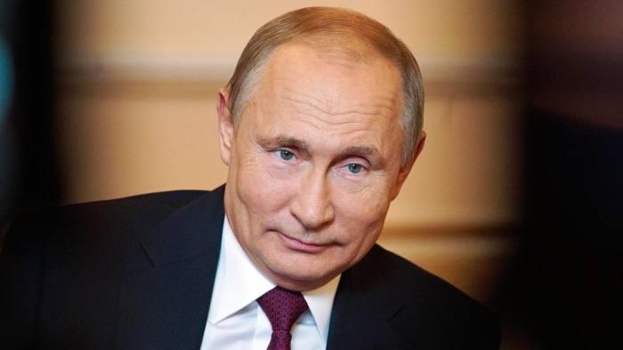 Vladimir Putin ia bani de la bogați să dea la săraci. Măsură controversată propusă de președintele rus