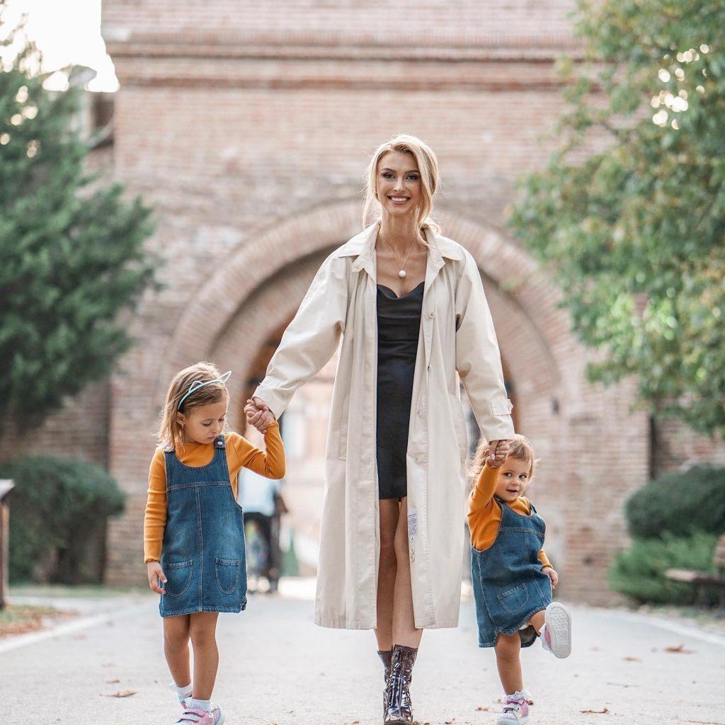 Cântăreața Andreea Bălan are două fetițe cu actorul George Burcea © Facebook