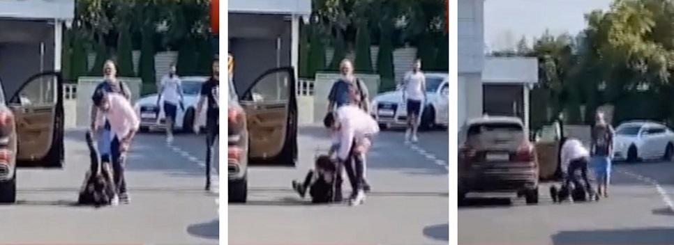 Brigitte nu s-a putut apăra de loviturile lui Florin Pastramă, care s-a năpustit asupra ei când aceasta era căzută © România TV