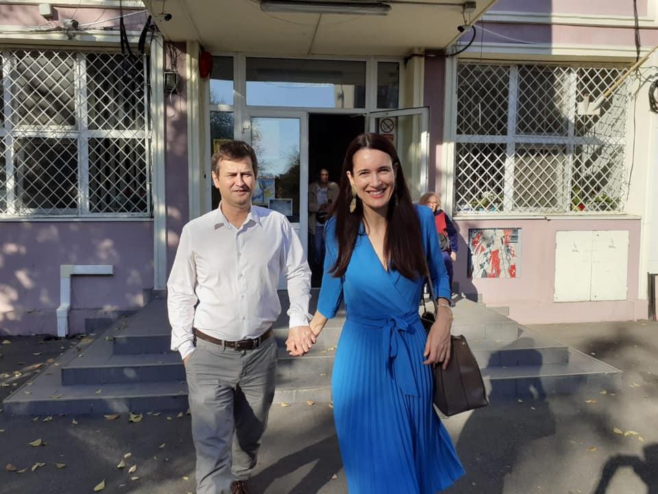 După moartea celor doi copii, Clotilde Armand și soțul ei, Sergiu Moroianu, au reușit să găsească resursele necesare ca să își trăiască viața într-un mod frumos © Facebook