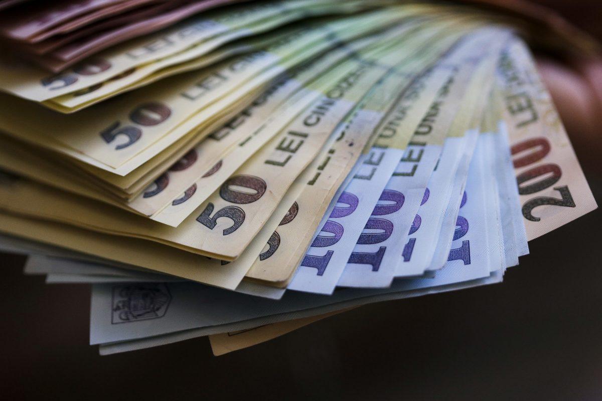 A apărut sporul de COVID-19 pentru bugetari! Este 30 la sută din salariu - Cancan.ro