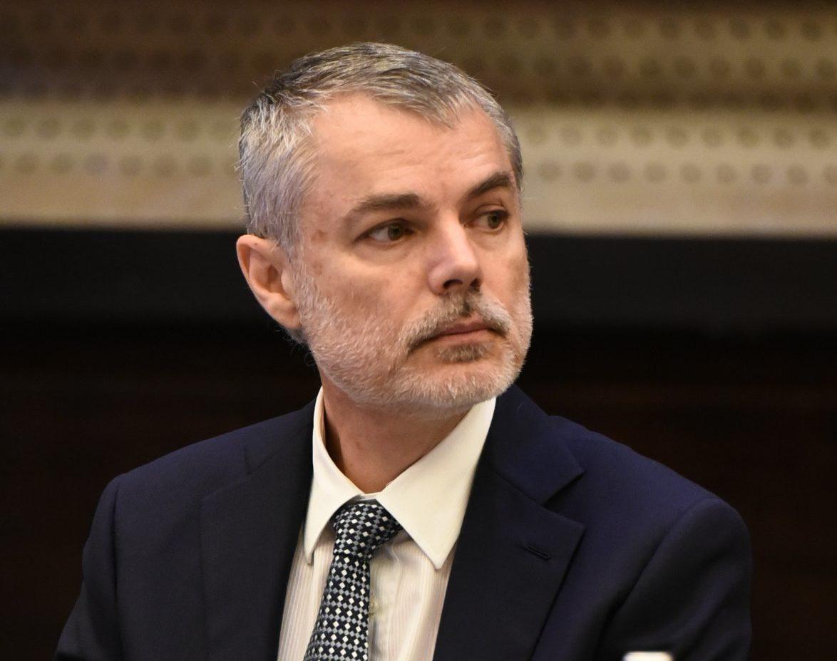 """Pediatrul Mihai Craiu trage un semnal de alarmă. Efectele devastatoare ale închiderii şcolilor: """"Adolescenţii au depresie şi gânduri de sinucidere"""" - Cancan.ro"""