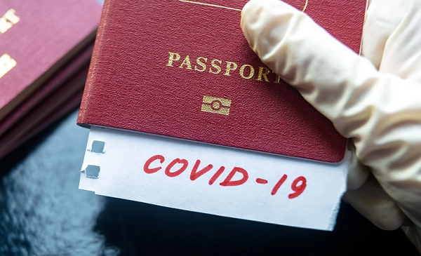 Se va impune un pașaport COVID-19 de către alte state? Motivele pentru care se va lua această decizie controversată