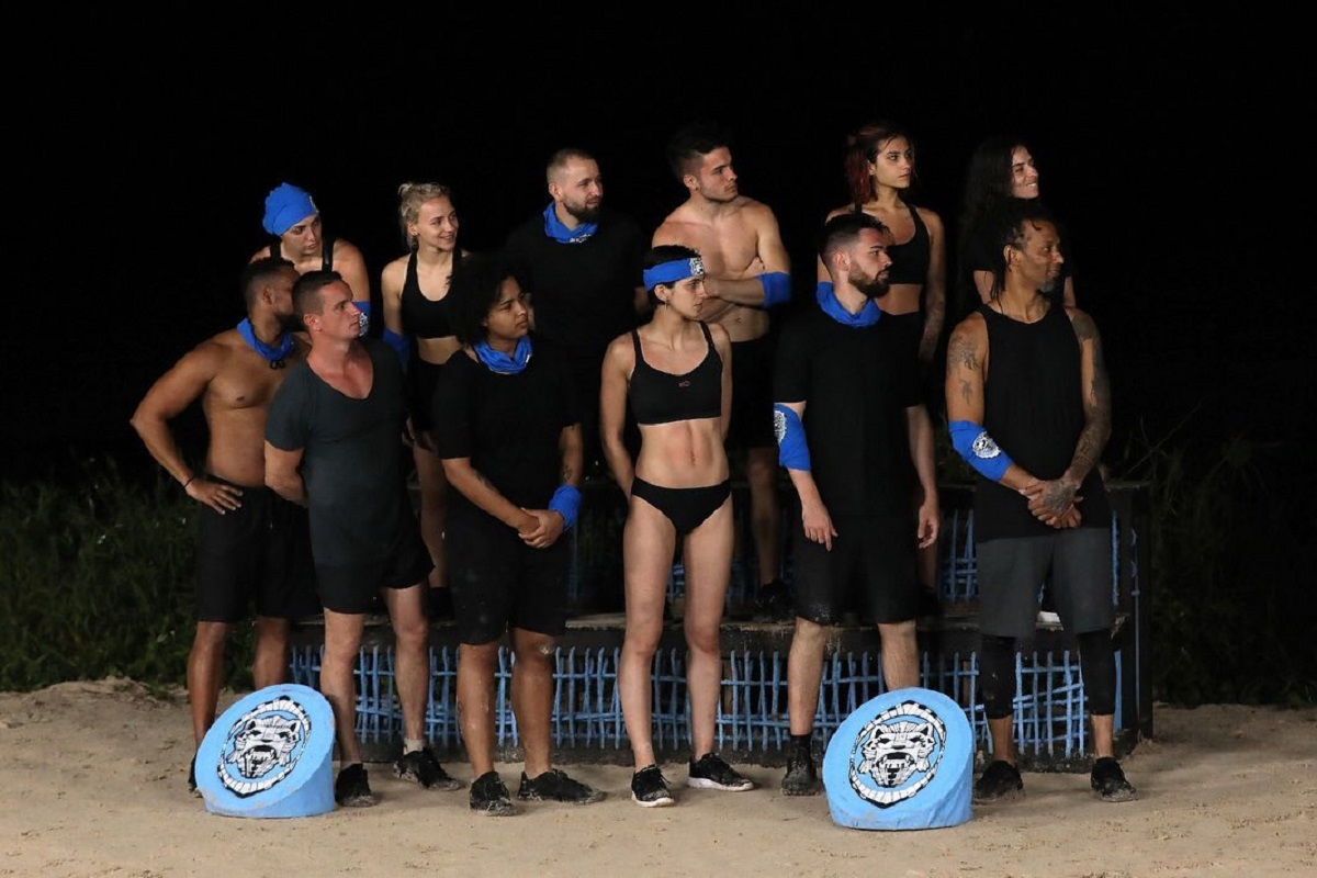 Se formează primul cuplu la Survivor? Doi concurenți au fost surprinși în ipostaze tandre, în toiul nopții - Cancan.ro