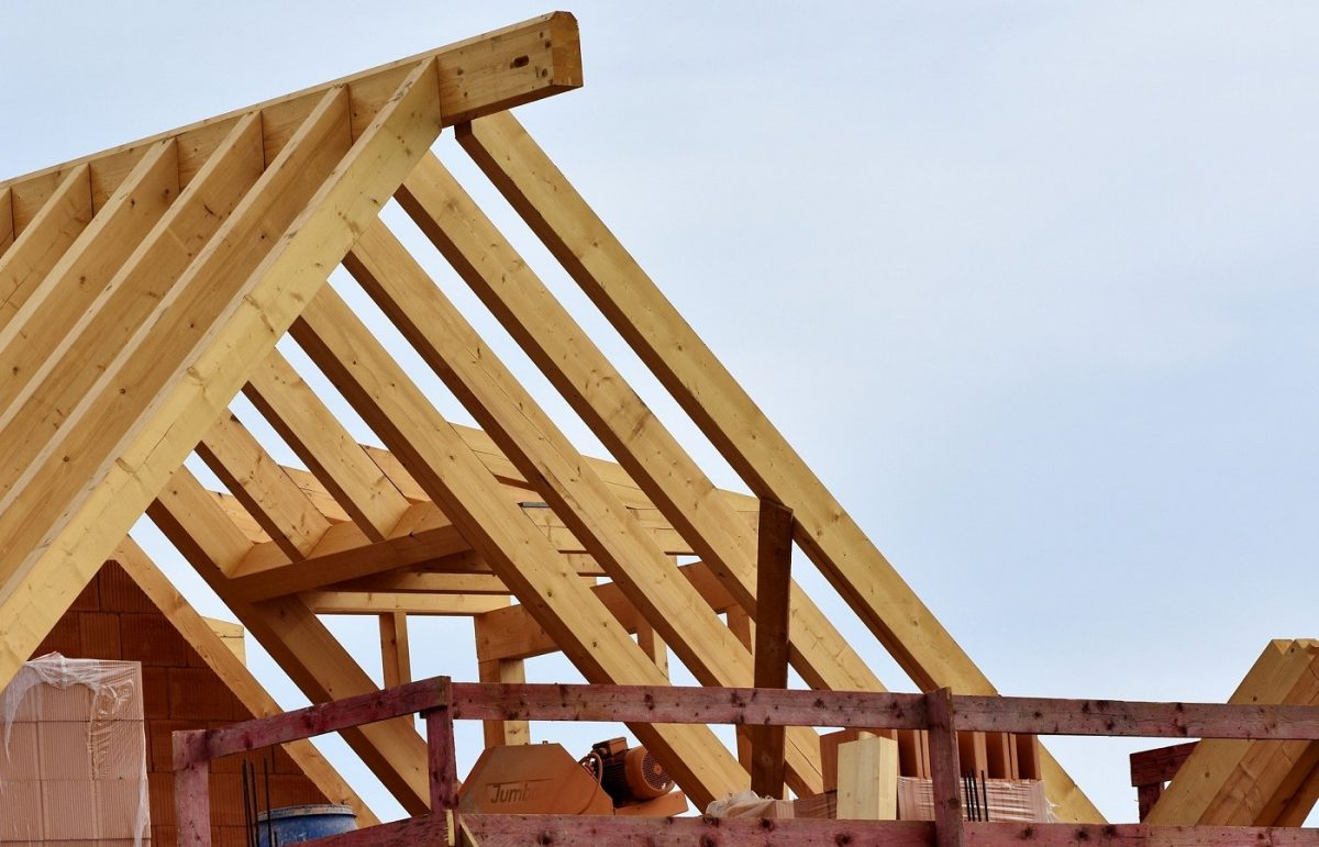 Lemnul folosit la construcția de locuințe trebuie tratat cu soluții ignifuge