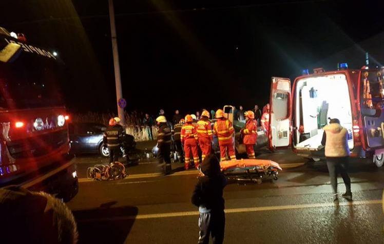 Un bărbat din Cluj-Napoca a încetat din viață după ce a fost spulberat de o mașină și, ulterior, proiectată într-un alt autoturism care circula regulamentar. Potrivit polițiștilor, individul a încercat să traverseze neregulamentar
