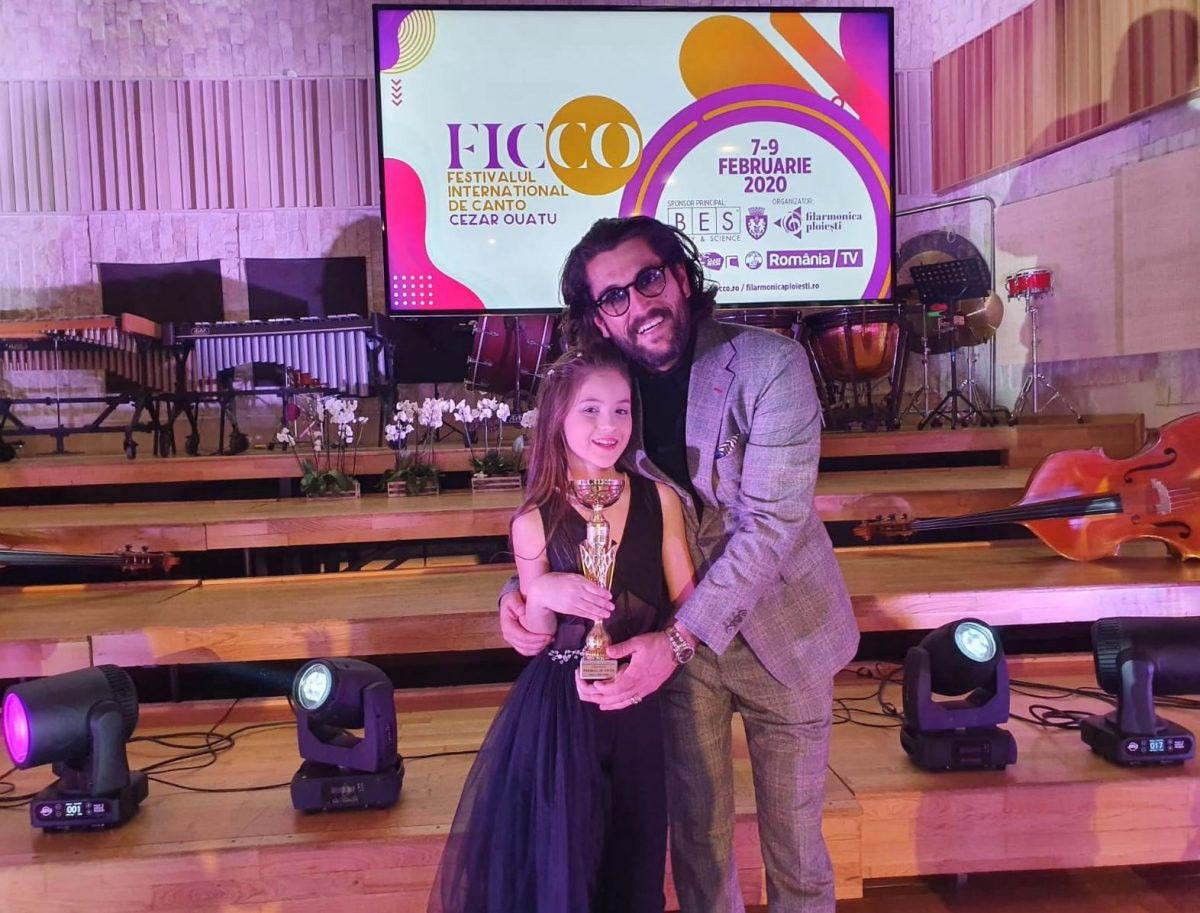 """Ana-Maria Mărgean a câștigat locul III în cadrul Festivalului Internațional De Canto """"Cezar Ouatu"""" din februarie 2020 © Facebook"""