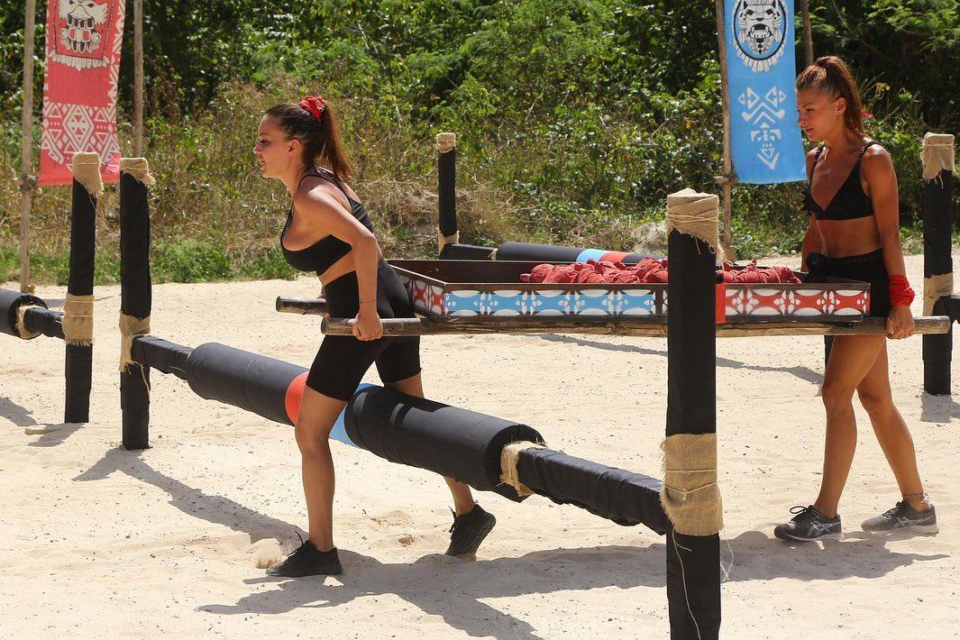 """Andreea Antonescu și Elena Marin luptă să câștige premiul cel mare de la """"Survivor România"""" © Facebook"""