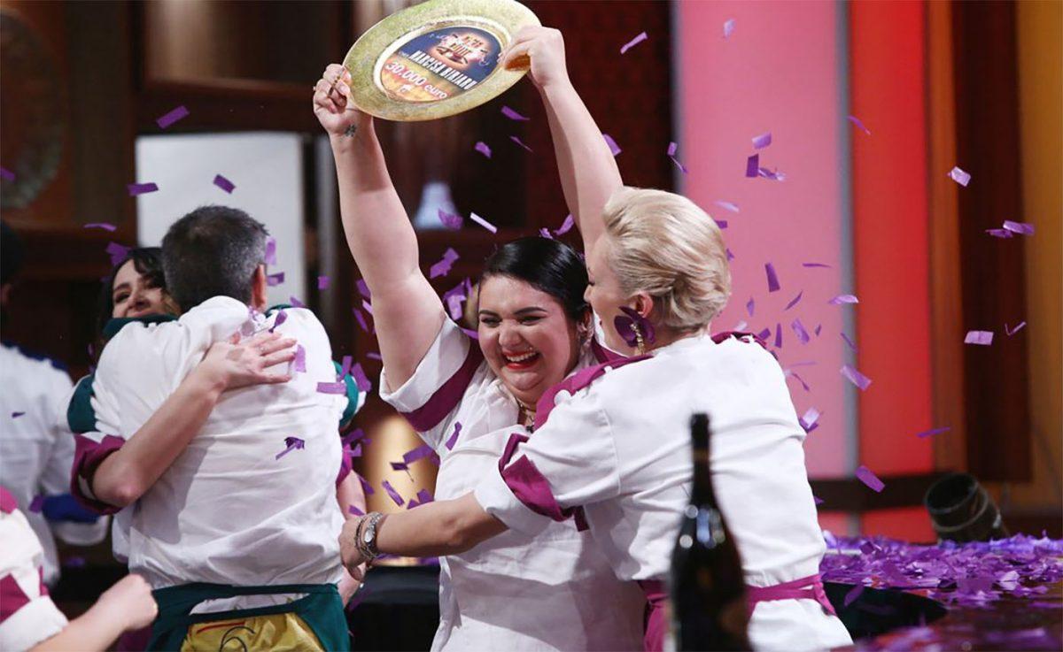 """Cine este Narcisa Birjaru, câștigătoarea """"Chefi la cuțite"""" sezonul 9. S-a măritat de la 14 ani """"Suntem de nedespărțit"""""""