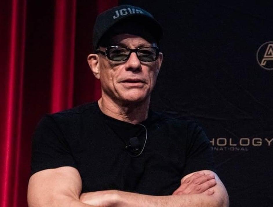După trupa Morandi, Jean-Claude van Damme a dat de un alt artist român! Celebrul actor a fost filmat ascultând manele
