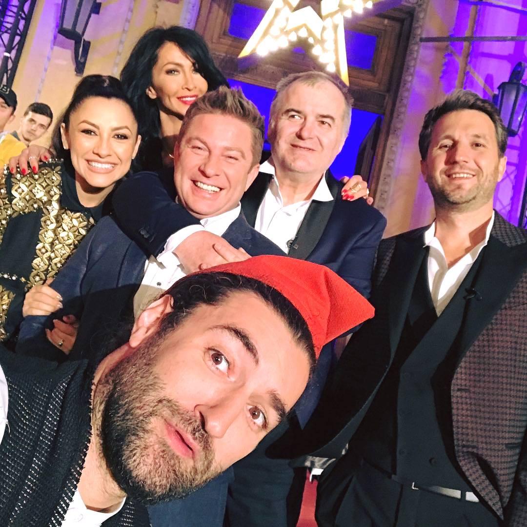 Mihaela Rădulescu, alături de colegii ei din Pro TV (Foto: Facebook)
