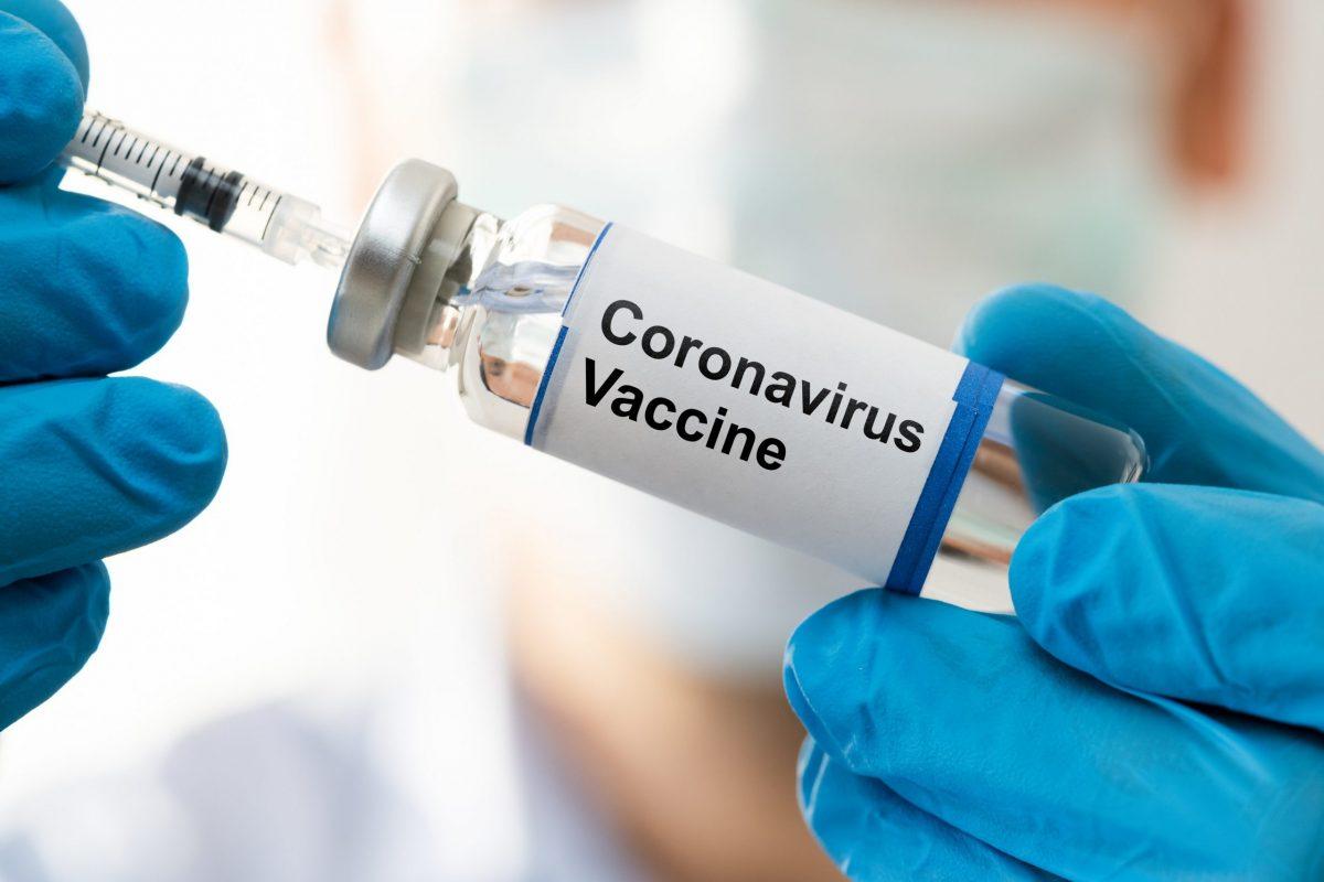 """Povestea incredibilă a unei tinere: """"Iubitul meu amenință că mă părăseşte dacă primesc al doilea vaccin Covid"""""""