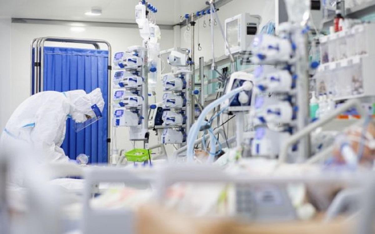 Ministrul Sănătății cere suplimentarea paturilor la ATI. În Capitală mai sunt doar două locuri libere