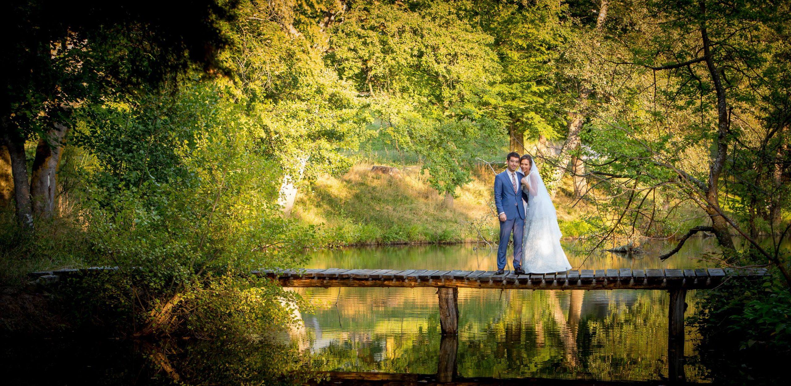 În 2016, Petru s-a căsătorit cu Simona, o brașoveancă superbă